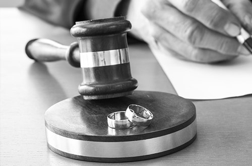 schedule a consultation with a divorce attorney